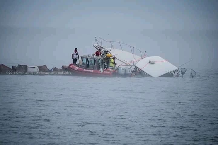 Fishing Vessel crash into break wall